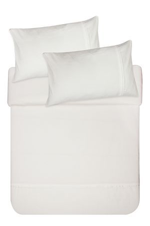 "Made from a 100% natural cotton percale, this duvet cover set has a classic jacquard stripe cuff. The high quality 180 thread count has a refined texture that provides extra comfort for those lazy mornings in bed. Single and three quarter include 1 standard pillowcase, double, queen and king include 2 standard pillowcases.<div class=""pdpDescContent""><BR /><BR /><b class=""pdpDesc"">Fabric Content:</b><BR />100% Cotton<BR /><BR /><b class=""pdpDesc"">Wash Care:</b><BR>Gentle cycle cold wash</div>"