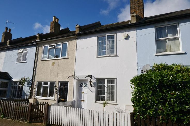 TO LET 2 BED COTTAGE WHARTON ROAD  #BROMLEY  http://www.vincentchandler.co.uk/properties-to-let/property/5055517-wharton-road-bromley