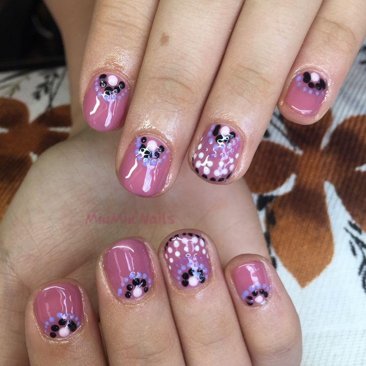 Dotty gel lac nails