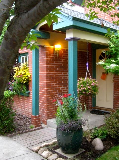 Garden Walk Buffalo Cottage District 5: A Little Summer Street Garden On Garden Walk Buffalo