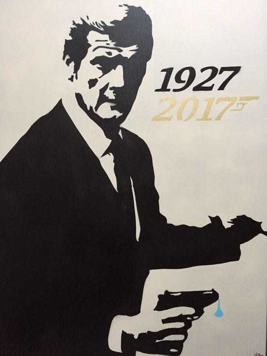 Vex - James Bond; Sir Roger is no Moore  Stencil portret van de legendarische acteur Sir Roger Moore (1927 - 2017) als James Bond.Gesigneerd rechtsonder titel en naam van de kunstenaar gestencild op de achterkant.Techniek: Stencil art en multi color spray paint.Jaar: 2017Afmetingen: 60 x 80 x 15 cm.Soort lijst: Op hout gespannen canvas doek (100% FSC). Conditie: Nieuwstaat.Editie: Origineel werk spray painted met de hand.Herkomst: Vex is een urban artist uit Amsterdam. Hij ontwerpt en snijdt…