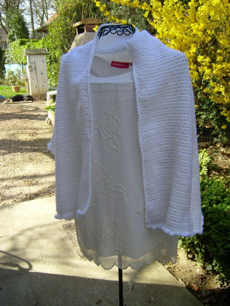 grande etole blanche tricotee au crochet au point resille pour marie ou communiante echarpe - Tole Blanche Mariage