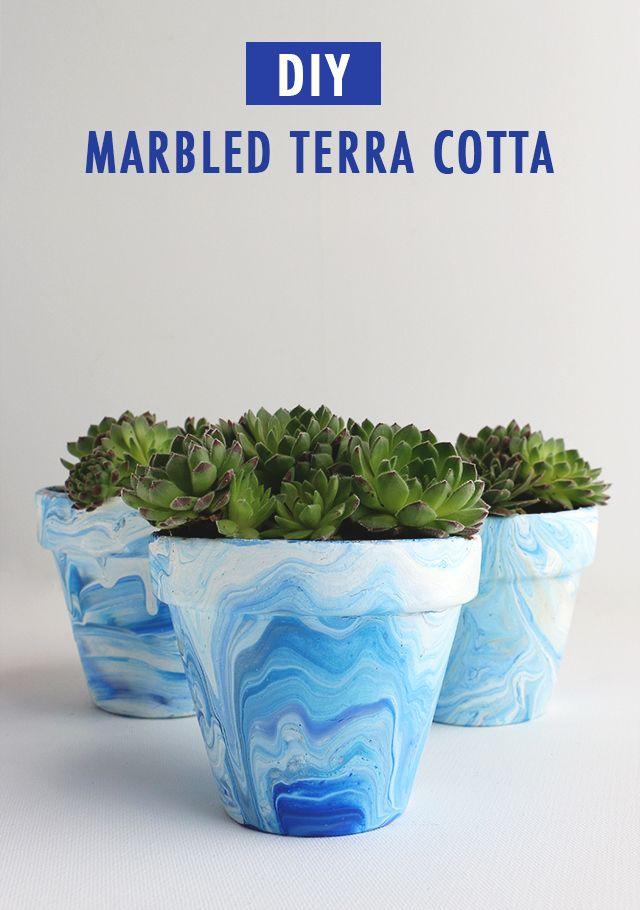 DIY Marbled Terra Cotta Pots // alanajonesmann.com