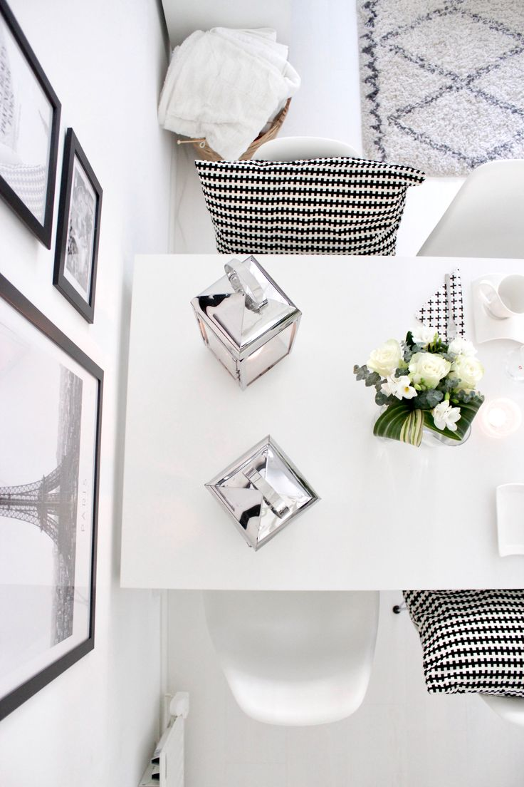 Black & white interior | dining room