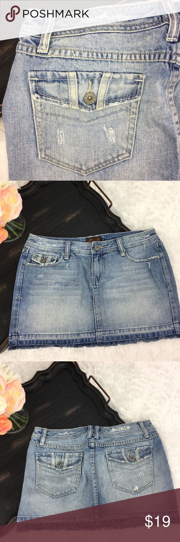 AEROPOSTALE WOMEN'S/Juniors Jean Mini Skirt AEROPOSTALE ~ Women's/Juniors Size 5/6~ Jean~ Distressed ~ Light Wash ~ Mini-Skirt ~ In EXCELLENT condition!! ~ Coming from a pet free and smoke free 🏡!! Aeropostale Skirts Mini