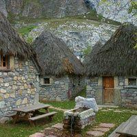Braña La Code (Somiedo, Asturias) Apartamentos en Valle de lago - Somiedo