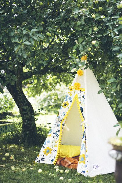 * Please note that this is a made to order listing and production time takes up to 10 days! *  I made my first play tent for the very first birthday of my daughter. We had a pow wow themed party...