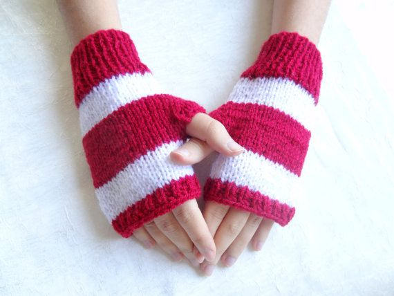 RedWhite Knit Fingerless Gloves  Warm Winter by SwomanStore
