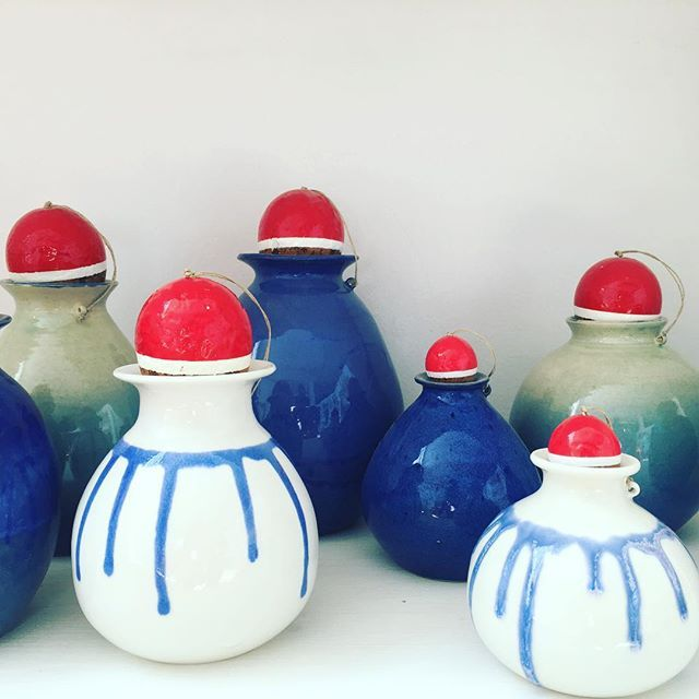 Porcelain bottles add to the Fishermen bottles' The Sea Collection. #agceramica #ceramics #porcelain #porcelana #ceramique #ceramica #fishermenbottles #blue #white#design #art #thesea #sea #fishermenfloats #cork #azul#blanco #arte #diseño #design #pottery #handmade #CRArchive
