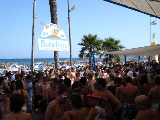 Platja den Bossa Beach, where my fave is when people dance on the tabletops! Soooooo FUN here!