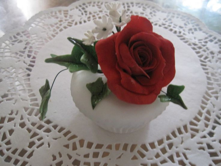 Cup cake - red rose