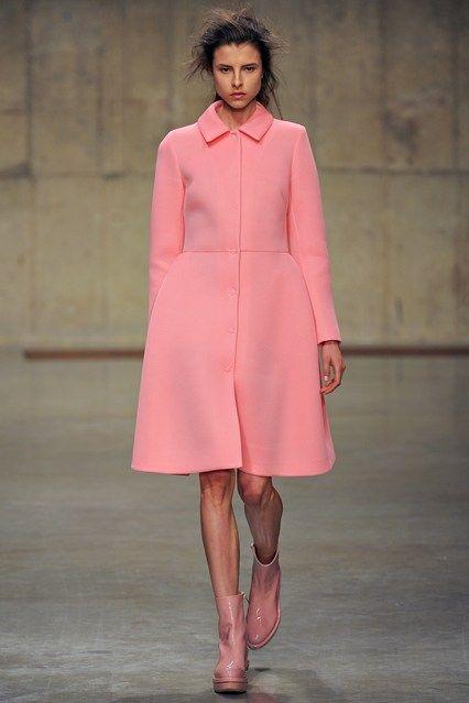 Simone Rocha - www.vogue.co.uk/fashion/autumn-winter-2013/ready-to-wear/simone-rocha/full-length-photos/gallery/934626