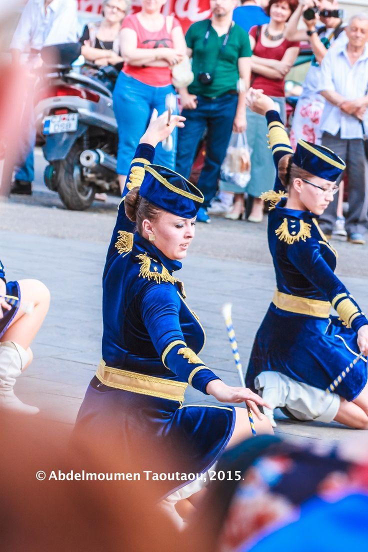 Girls Performing in streets of Cluj-Napoca, Romania!