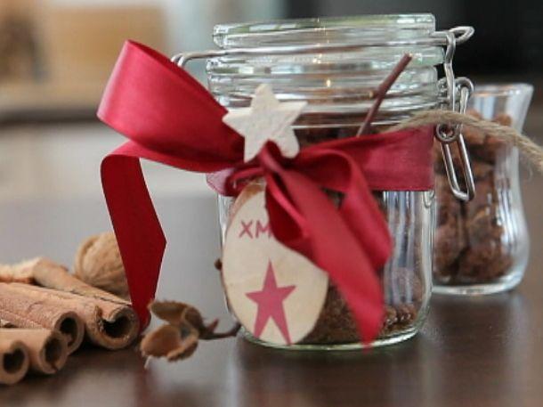 Das perfekte Gebrannte Mandeln aus der Mikrowelle-Rezept mit einfacher Schritt-für-Schritt-Anleitung: Vermischen Sie Zucker, Zimt, Vanillezucker und…