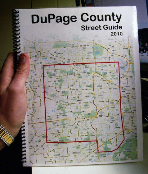 DYI Make a Map Book Using Google Maps - What a great idea! I can think of several uses; parts of town I am unfamiliar with, when traveling, a guide for visitors or as a welcome gift for the new neighbor.