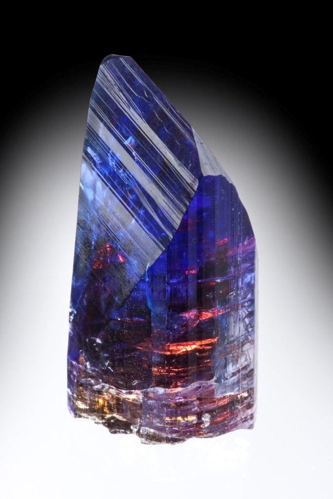 Zoisite var. Tanzanite crystal