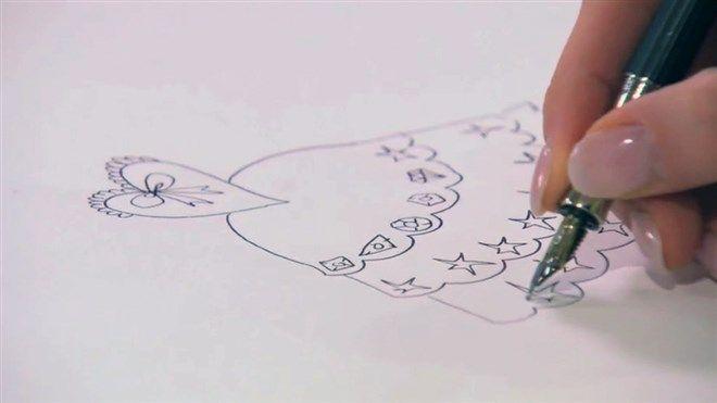Jill legt uit hoe je een mooie prinsessenjurk tekent