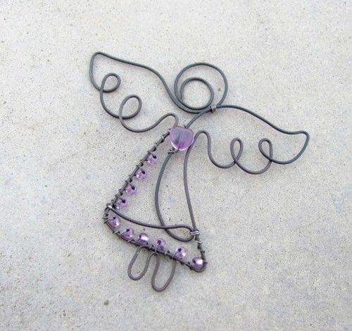 drátovaná+andělka+drátovaná+andělka+se+skleněným+srdíčkem,+dozdobená+korálky+výška+8+cm+,+šířka+8+cm+drát+je+ošetřen,+návod+na+údržbu+přiložen+...+metudka