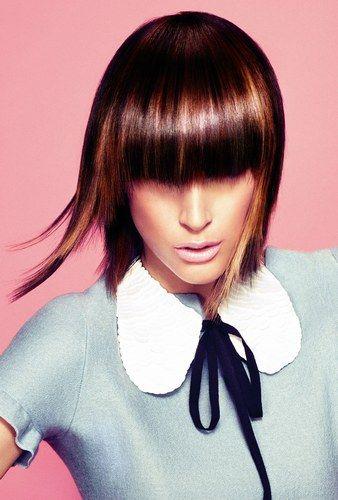 Hay una cosa que tenemos clara: este año hay que optar por un #cortedepelo con #flequillo . Recto, desfilado, glam, rizado… ¡Puedes elegir entre muchos diferentes! #hairstyle
