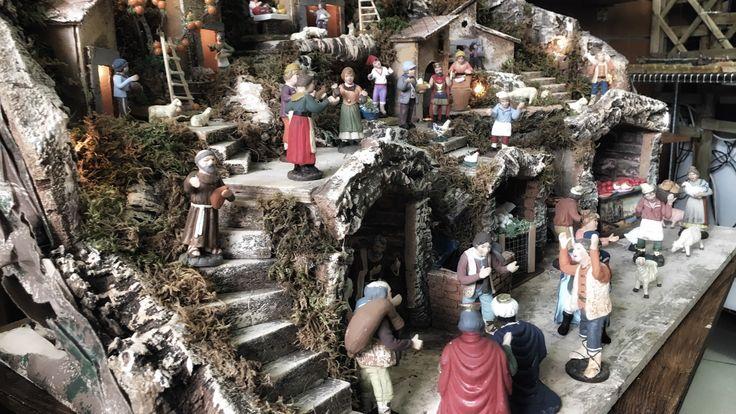 La nascita, la stalla, i Re Magi, le vie piene di gente festosa, l'allegria, l'atmosfera del Natale.  Uno dei tanti #Presepi che troverai nella bottega di Ciro. Qui è Natale tutto l'anno, pastori e oggetti di artigianato napoletano sono sempre in esposizione. Un angolo d'arte nel cuore di Napoli.  www.oggettinapoli.it  #pastorinapoletani #presepisangregorioarmeno #presepenapoletano #arteinterracotta