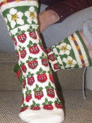 HjemmeUte Strawberry Fields socks Via: http://hjemmeute.blogspot.com.au/