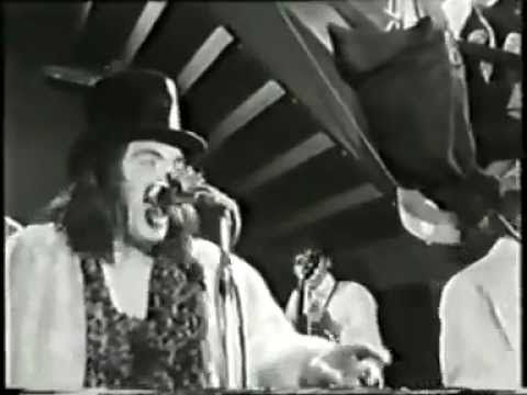 Screaming Lord Sutch and the Savages rare live footage    http://youtu.be/SIHPSeuhaxE