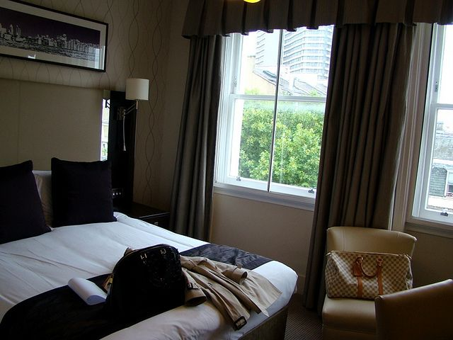 #hotel #review #travel #louisvuitton http://www.leftbanked.com/2013/11/359-london-rydges-kensington-hotel.html