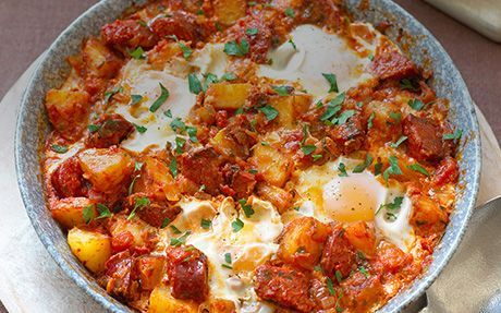 Spanish Baked Eggs Recipe : Food Network UK