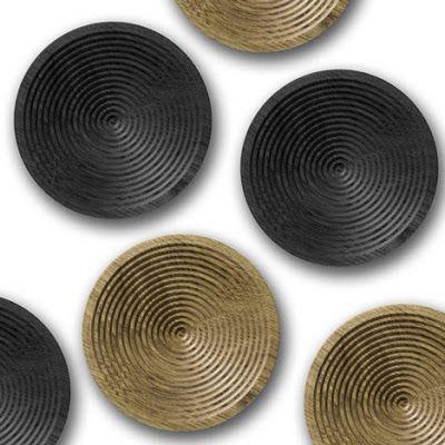 El joven diseñador inglés Benjamin Hubert se caracteriza por hacer diseño en base a la experimentación con materiales y procesos, y su nuevo producto para la marca inglesa David Design utiliza un proceso ordinario para crear una pieza intrigante.