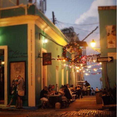 En sån underbar gammal stadsdel det finns i San Juan.