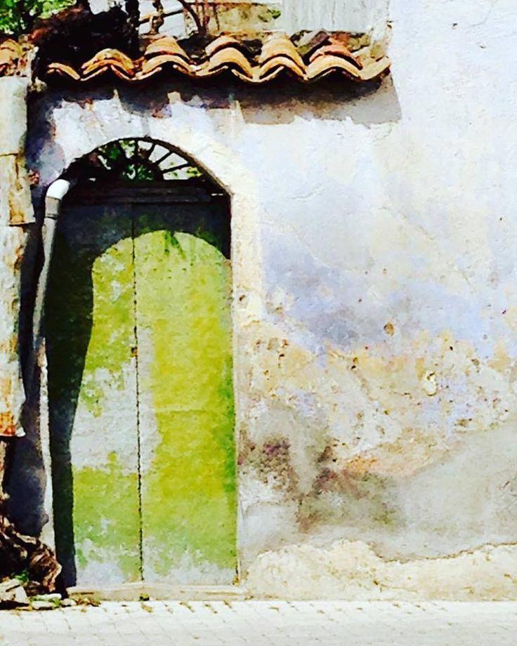 sicily: green door