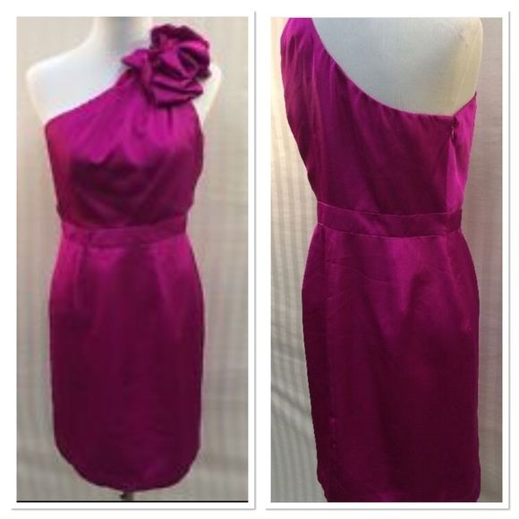 🎉HP x2🎉Fuchsia Cocktail Dress 🎉Best in Dresses HP on 12/24/15 by @carec & Pretty, Flirty & Girly HP by the sweet @partymk999🎉 Selling for my cousin. Worn once. One tiny mark on bottom front that was too hard to capture. Barely noticeable. Side zip, lined. Silky feel. Please ask all questions prior to purchase. ✂️PRICE CUT x3 9/19/16✂️ The Limited Dresses One Shoulder
