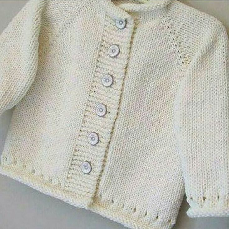 Bol günesli pazarlar Selfmade baby-stuff for sale!  Örgüye devam. Siparis alinir  #alinti#kazak #örnek #örgü #orgu #hirka #battaniye #grannysquare #crochet #chrocheting #inspiration #instagood #instagram #instagramers #instacrochet #fashion #breieninstagramphoto #babyblanket #igbabies #igknitters by orgulerimle.ben