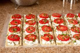 Google Image Result for http://www.cookingclassy.com/wp-content/uploads/2012/11/caprese+lasagna+roll+ups8.jpg