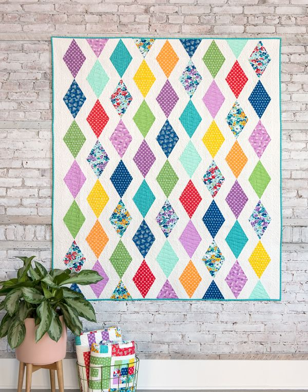 Line Art Quilt Pattern Holly Hickman : Ideas about diamond quilt on pinterest