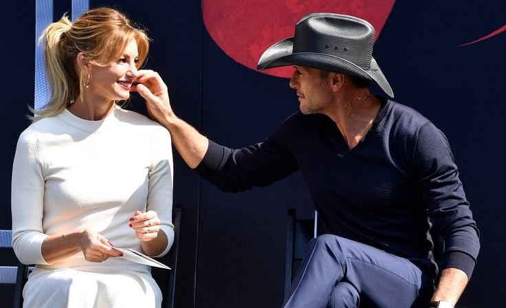 As if you needed more proof of Tim McGraw's & Faith Hill's love for each other, just look at their Walk of Fame pics