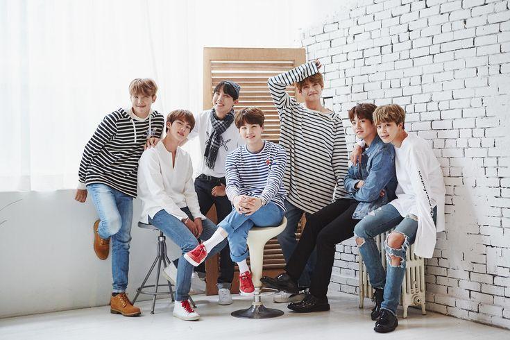 Et si les BTS étaient les membres d'une même famille ? Le 'BTS Festa 2017' menant le groupe masculin jusqu'à son prochain anniversaire se poursuit aujourd'hui avec le …