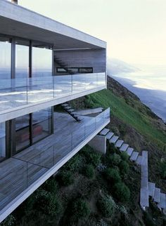 Casa 11 Mujeres / Cachagua. Chile / Mathias Klotz.  More About Us: http://krigarealestate.com