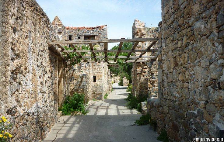 Vicoli e ruderi a Spinalonga - Creta