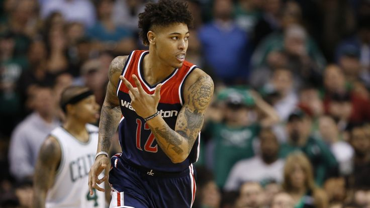 WATCH: Kelly Oubre ejected for shoving Kelly Olynyk | Yardbarker.com