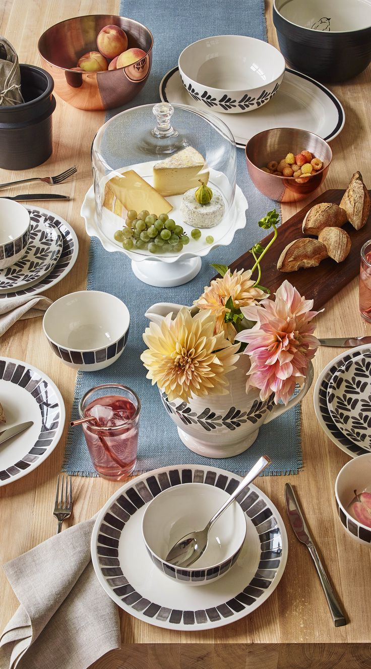 Best Kitchens And Dining Rooms Images On Pinterest - Martha stewart dining room table