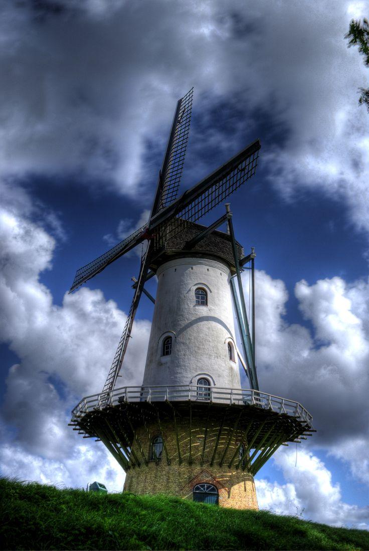 De molen IJzendijke, De Witte Juffer (1841). Windmill IJzendijke, The white lady (1841).