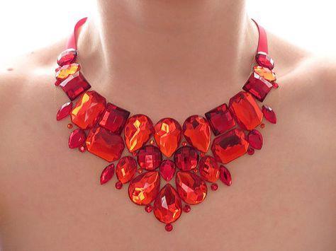 Collar babero de Rhinestone rojo brillante, Rhinestone rojo declaración collar, collar del Rhinestone rojo, rojo Jeweled babero, collar rojo de Dama de honor