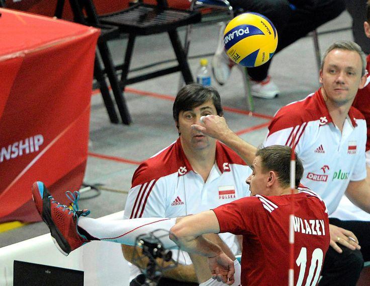 Piłkarski geniusz Wlazłego. Nogą uratował nam skórę. http://sport.tvn24.pl/ms-w-siatkowce,231/pilkarski-geniusz-wlazlego-noga-uratowal-nam-skore,470178.html?magazineSubcategory=0