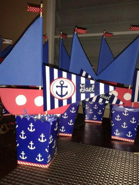 Centros de mesa estilo nautico banderines y barquitos de - Decoracion estilo marinero ...