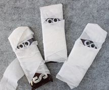 Halloween Candy Crafts: Mummy Chocolate Bars