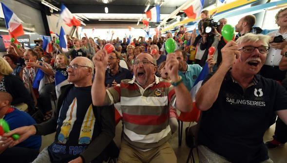 Boulogne : le club du kayakiste Maxime Beaumont explose de joie pour son médaillé dargent http://vdn.lv/tJBKv8