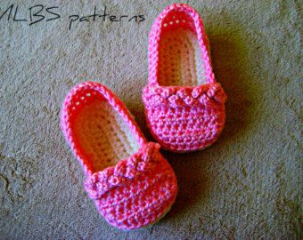 Crochet pattern baby sandals Photo Tutorial by MyLittleBabyShoes