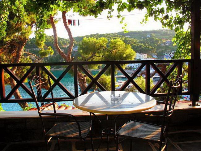 LIADROMIA Traditional Hotel | #Sporades #Alonissos #Greece #GuestInn