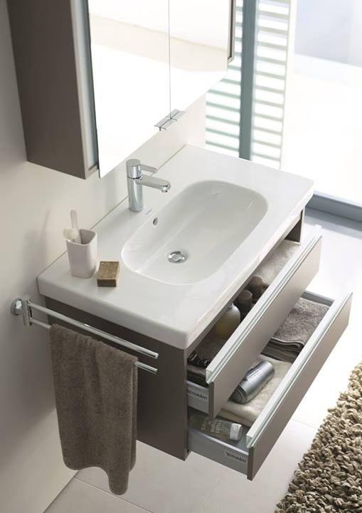 Duravit Ketho vanity with two drawers and porcelain countertop with intergrated basin also available is mirror cabinet / Vanité avec deux tiroirs, plan en porcelaine et lavabo intégré aussi disponible miroir pharmacie